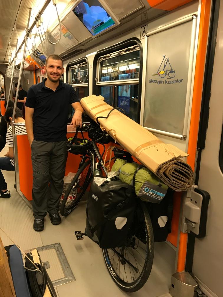 Bisiklet ile Metroda width=