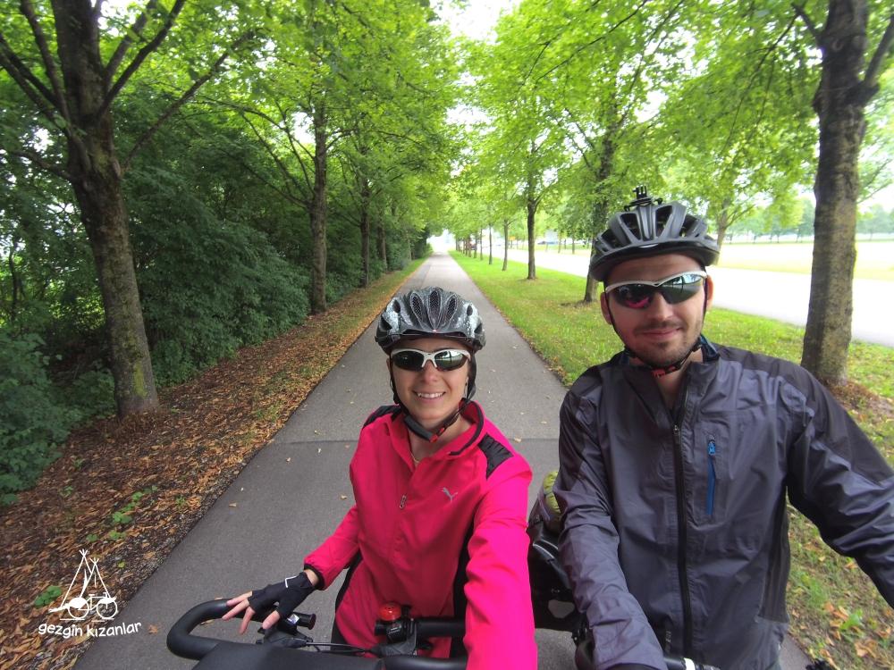 Münih Bisiklet Yolo