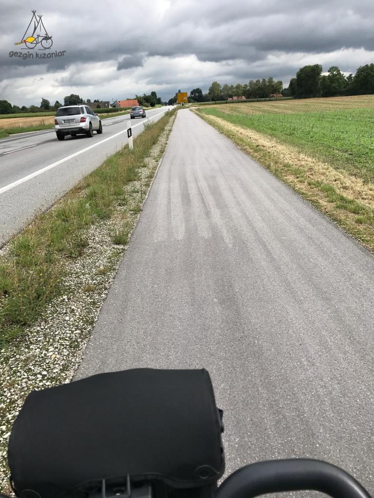 Asfalt Bisiklet Yolu Almanya