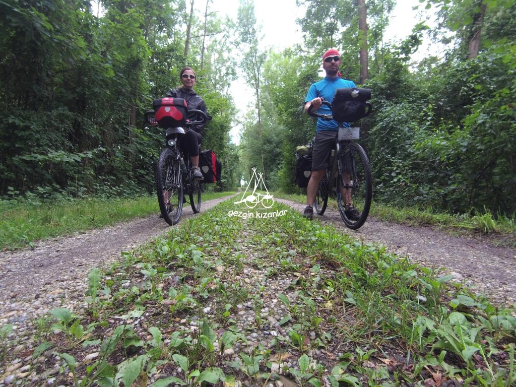 Isar Nehri Bisiklet Yolu