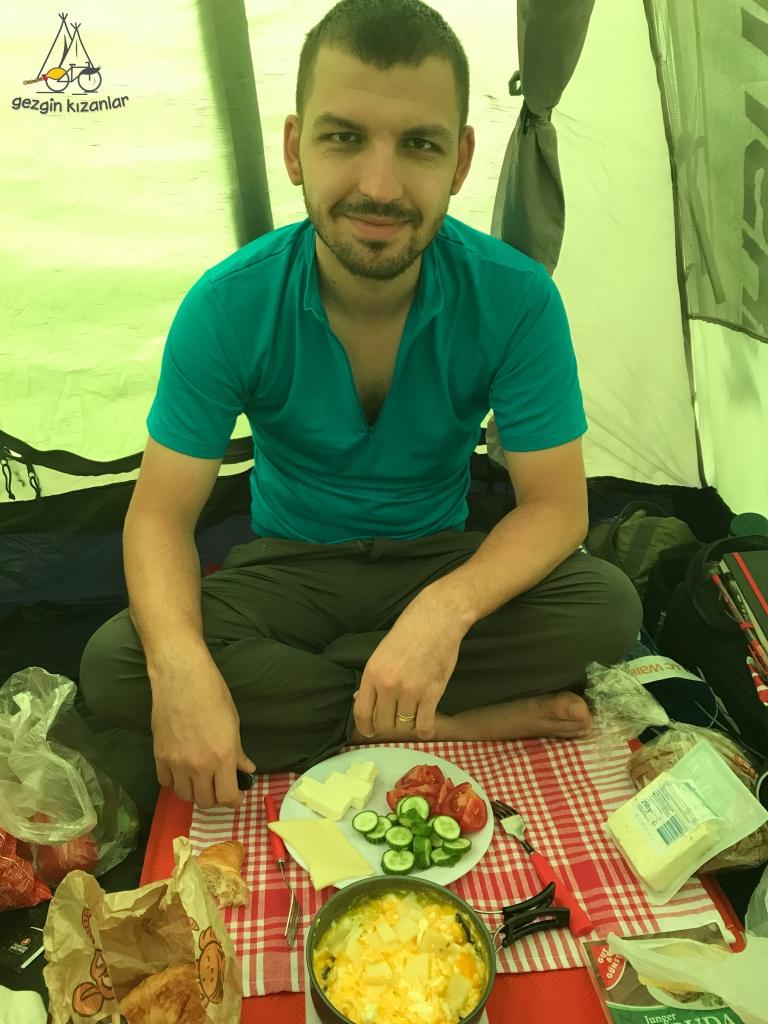 Landshut Çadırda Kahvaltı