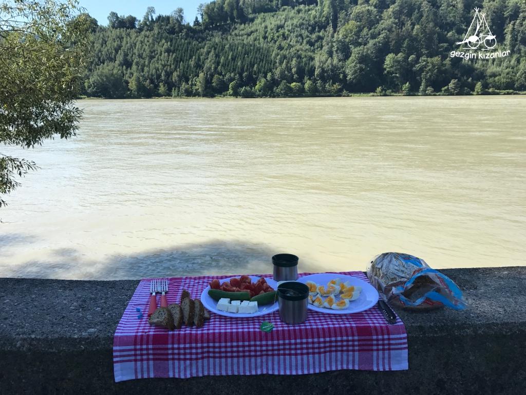 Tuna Nehri Kahvaltı