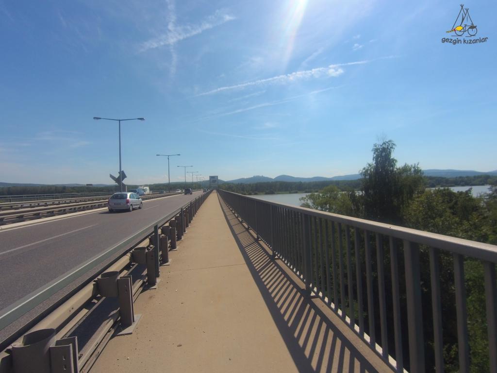 Krems Köprü Çıkışı