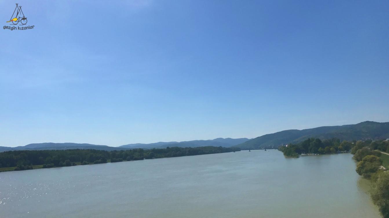 Krems Tuna Nehri Manzarası