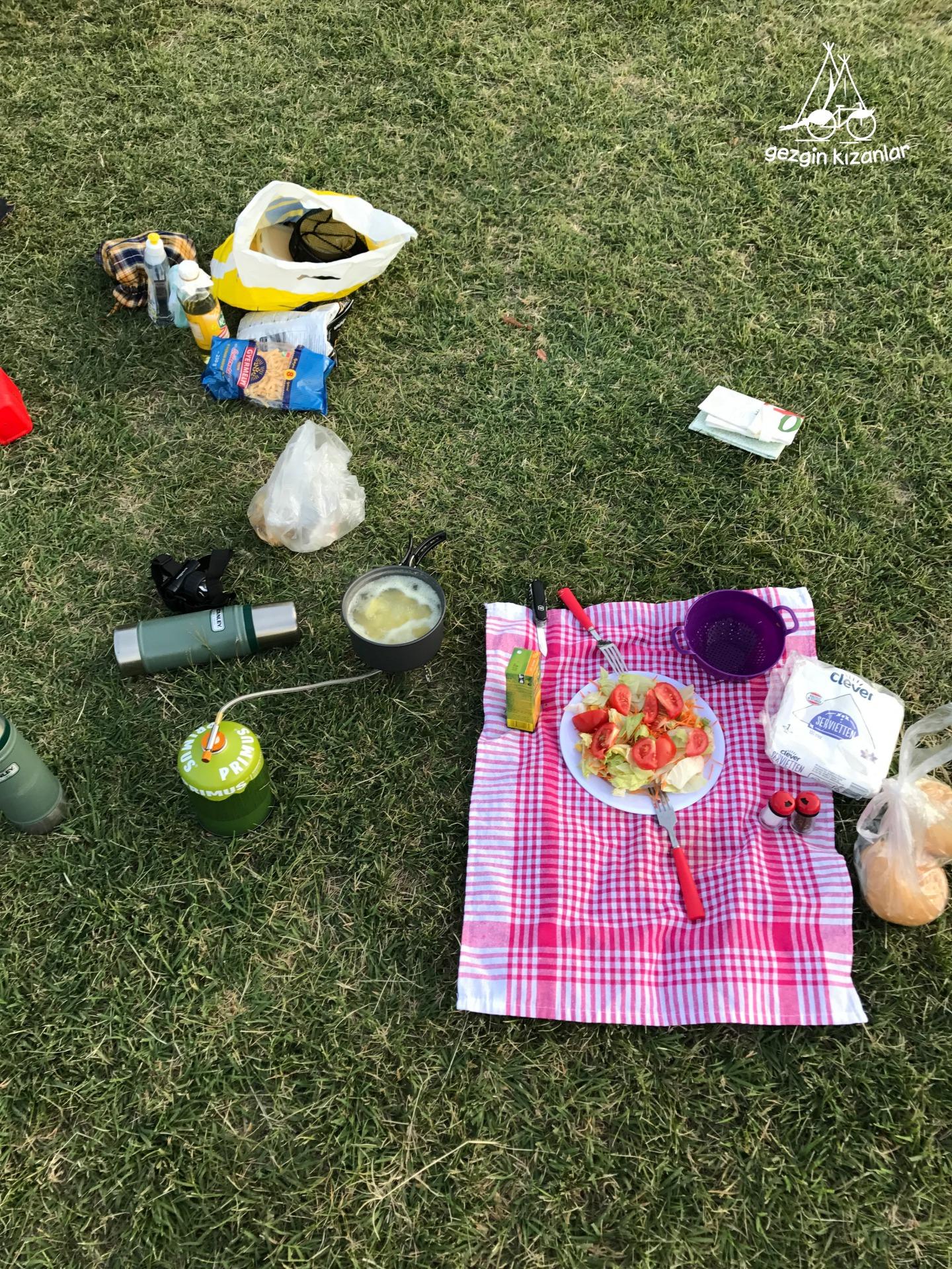 Eden Camping Akşam Yemeği