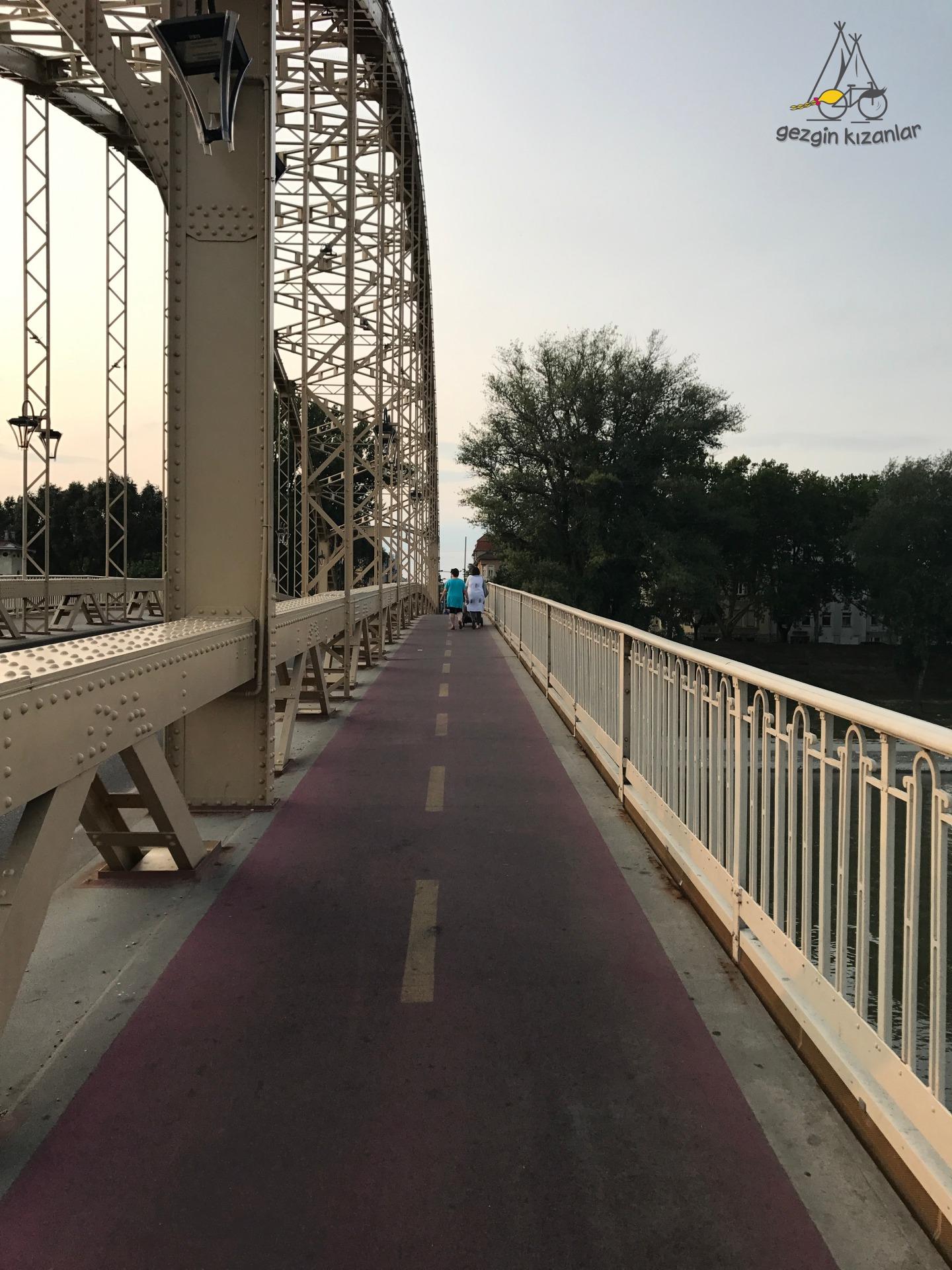Györ Köprüsü