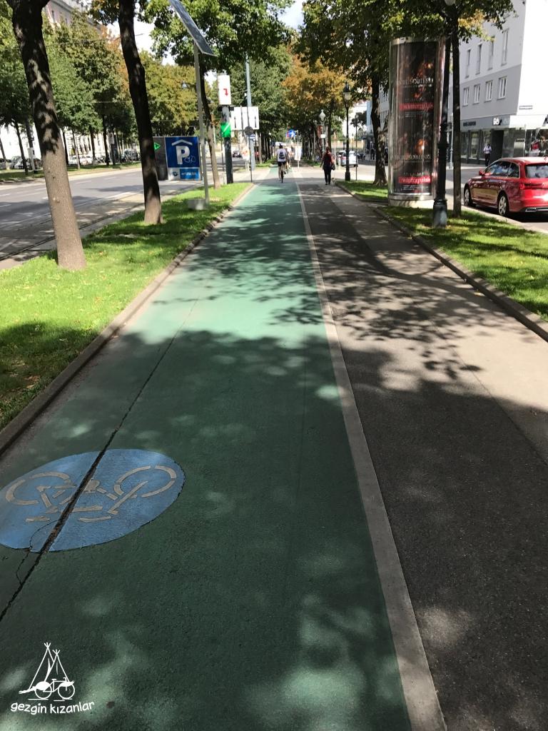 Ring Caddesi Bisiklet Yolu
