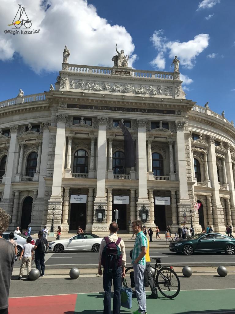Viyana Tiyatro Binası