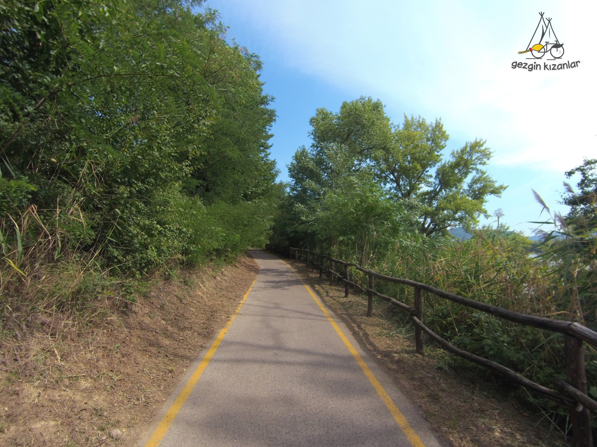 Bisiklet Yolu Szob Vac
