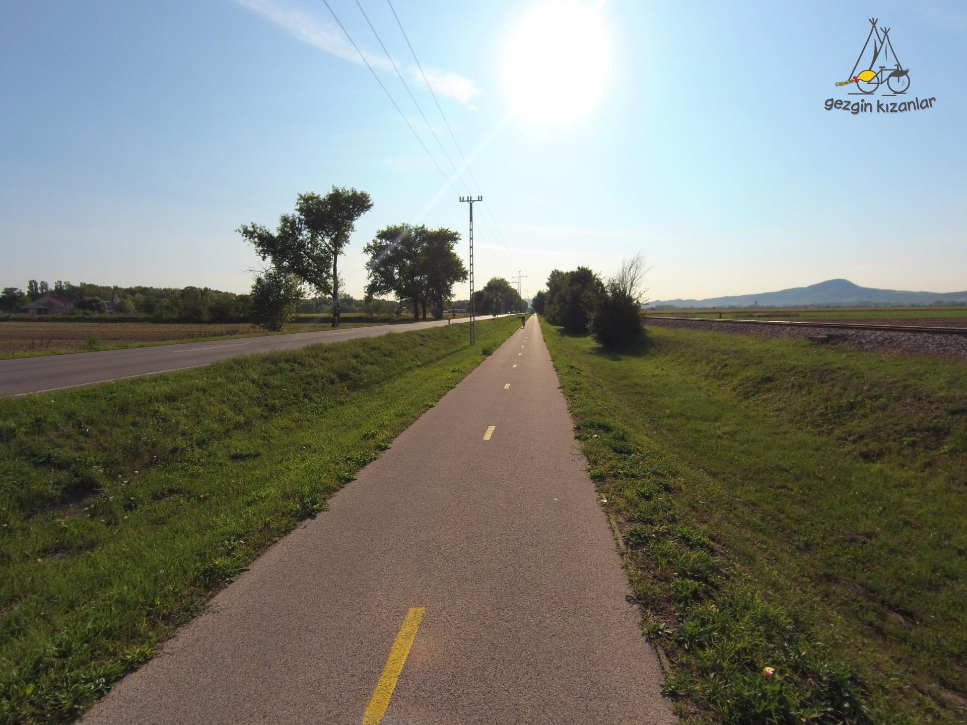 Macaristan Bisiklet Yolu