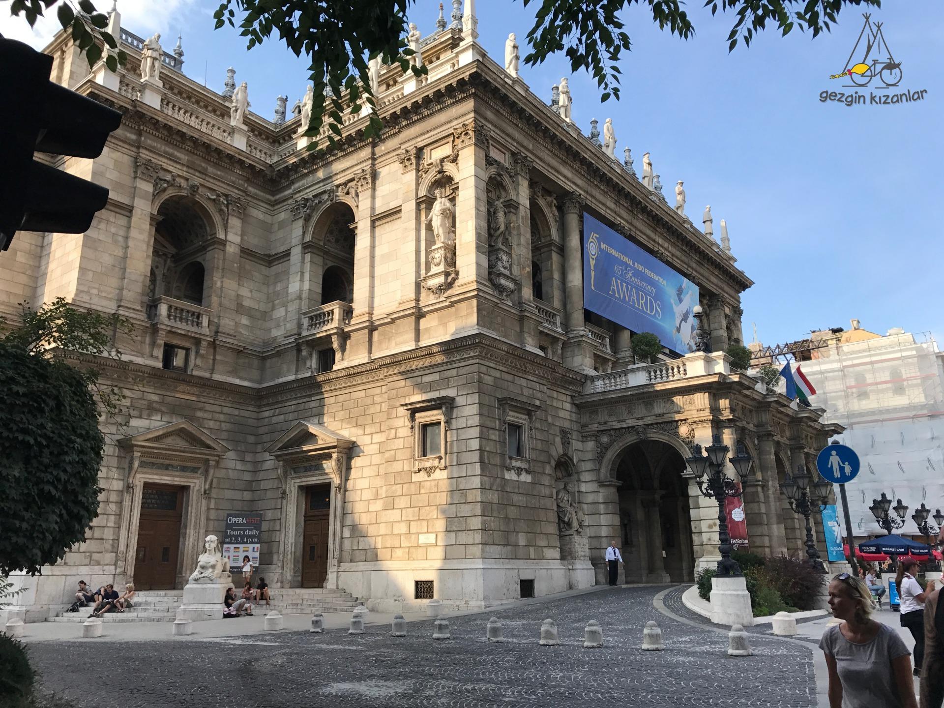 Budapeşte Opera Binası