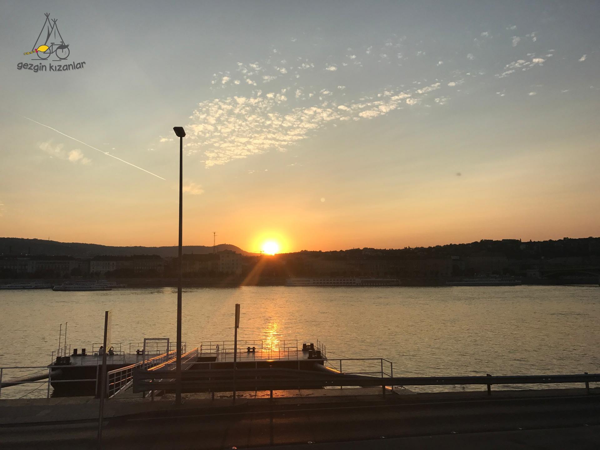 Budapest Sun Set