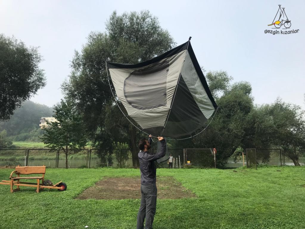 perla-sanu-camping